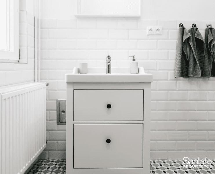 Reformas baños pequeños color claro